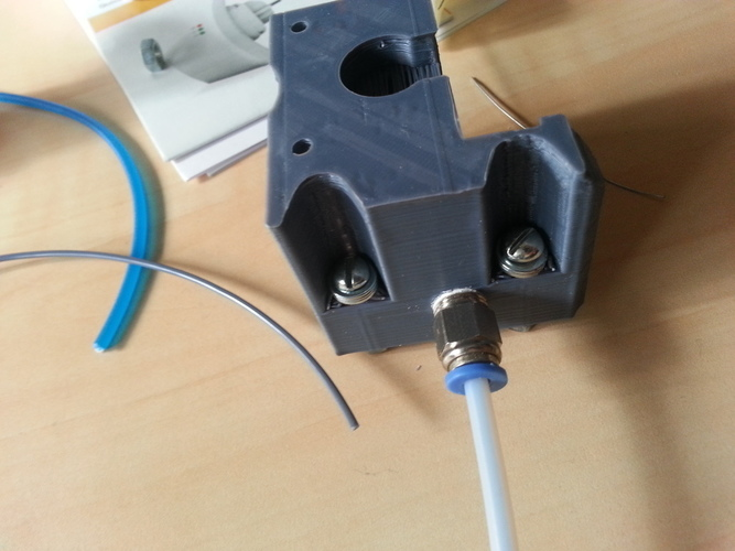 Bowden extruder based on compact extruder 3D Print 99022