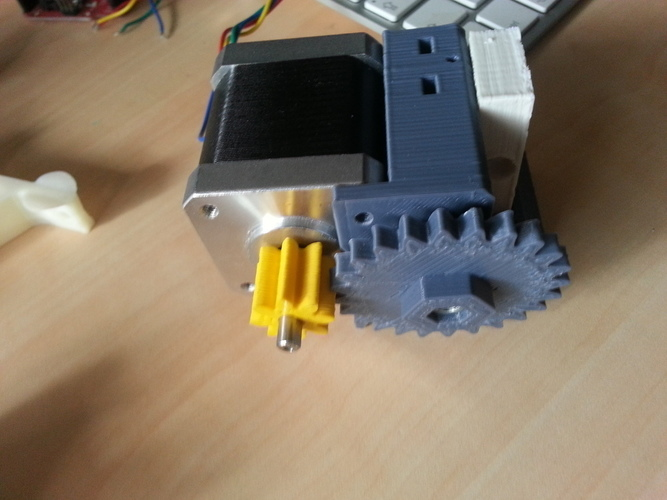 Bowden extruder based on compact extruder 3D Print 99023
