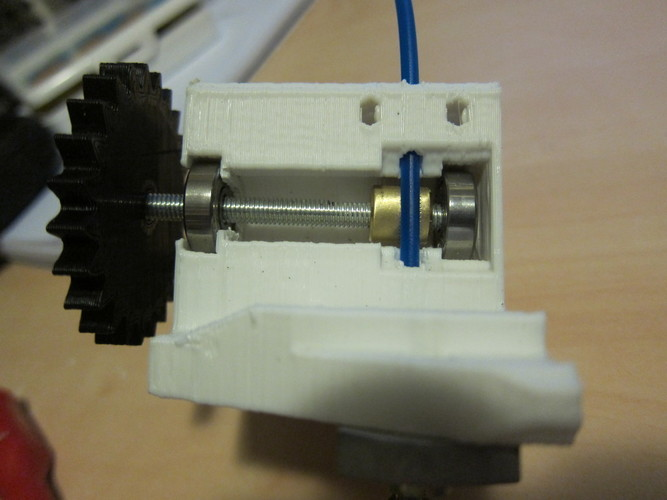 Compact extruder with symmetric mount and fan support 3D Print 99077