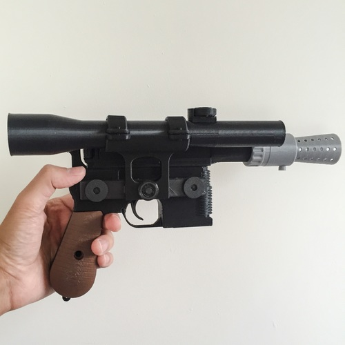 Model kit - Han Solo's DL-44 Heavy Blaster Pistol 3D Print 10435