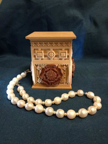 The Tudor Rose Box (with secret lock) 3D Print 12682