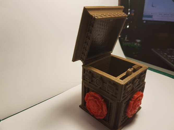The Tudor Rose Box (with secret lock) 3D Print 13069