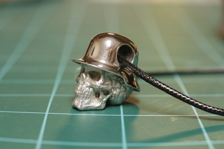 Hole in Head Army Skull Pendant 3D Print 13496