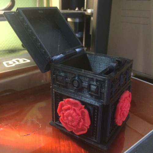 The Tudor Rose Box (with secret lock) 3D Print 1537