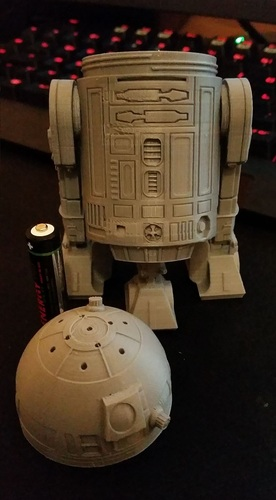 R2D2 Salt and Pepper Shaker 3D Print 16186