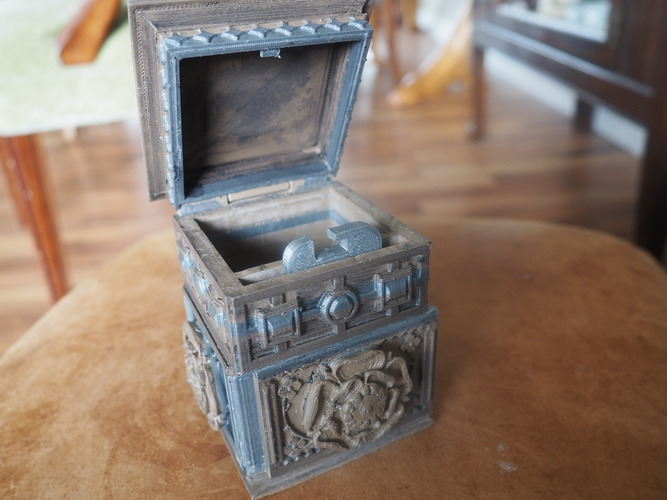 The Tudor Rose Box (with secret lock) 3D Print 3454