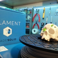 Small Boneheads: Skull Box w/ Brain - via 3DKitbash.com 3D Printing 4831