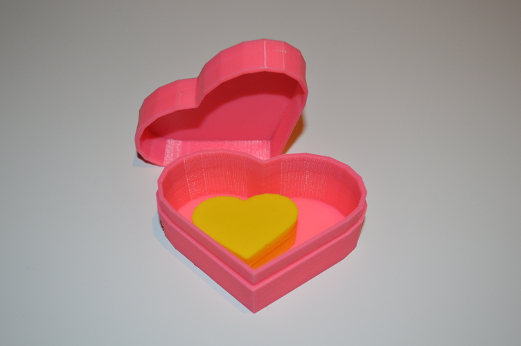 Heart-Shaped Box with Lid 3D Print 5051