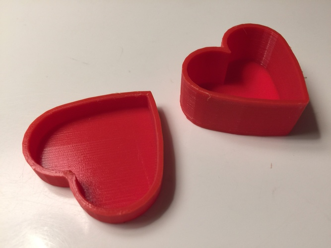 Heart-Shaped Box with Lid 3D Print 7234