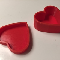 Small Heart-Shaped Box with Lid 3D Printing 7234