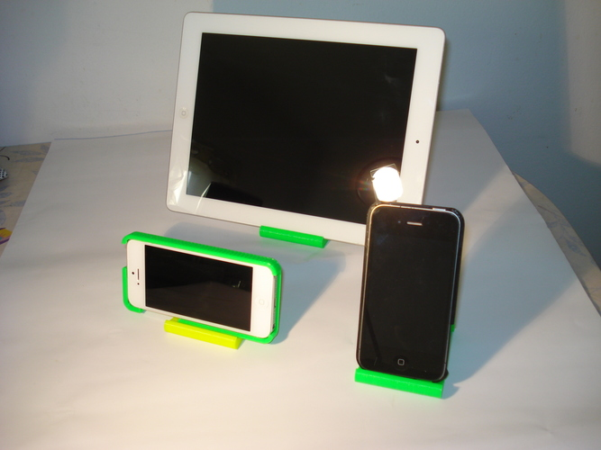 iPhone and iPad stand-REV. 2 3D Print 9025