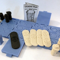 Small TARDIS Run board game Print-In-One 3D Printing 9205